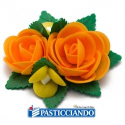 Vendita on-line di Bouquet rose arancio GRAZIANO