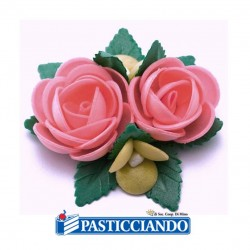 Vendita on-line di Bouquet rose celesti GRAZIANO