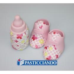 Scarpine  e biberon rosa